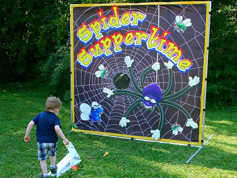 Freestanding Spider Suppertime Game