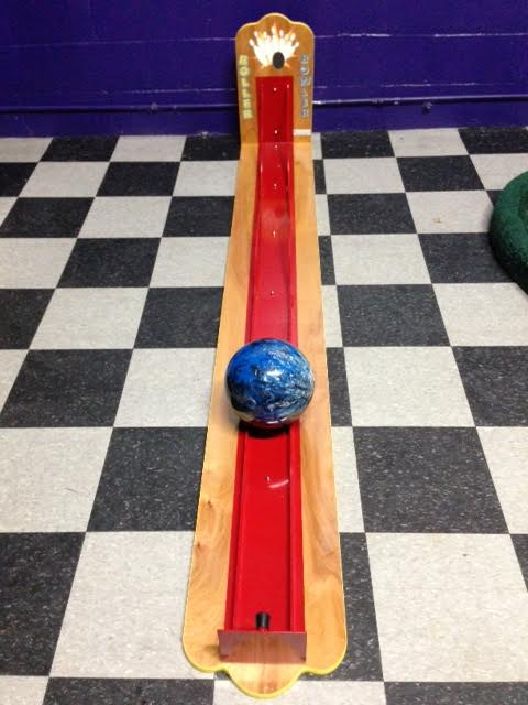 Roller Bowler Single-Lane Game